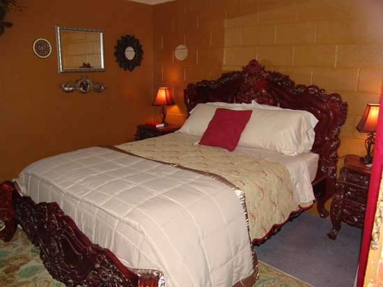 Taos Trail Inn : Room #9