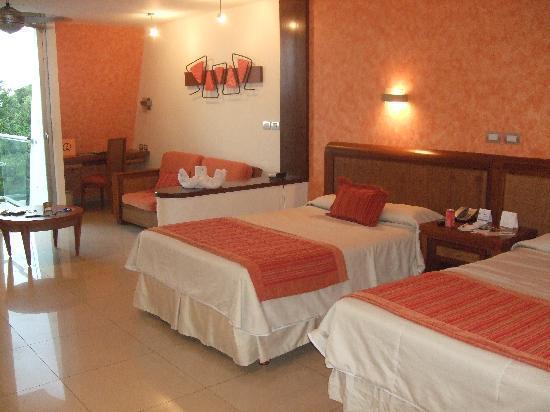 check in area picture of grand sirenis riviera maya resort spa akumal tripadvisor. Black Bedroom Furniture Sets. Home Design Ideas
