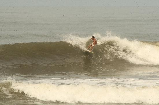 Surf Tours Nicaragua: uncrowded waves