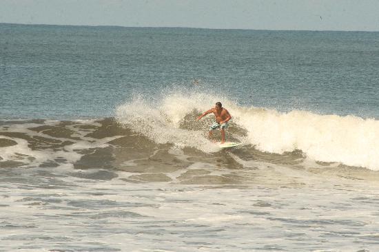 Surf Tours Nicaragua: rippable waves