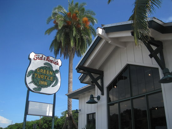 Green Turtle Inn: We took a photo so we wouldn't forget the name.