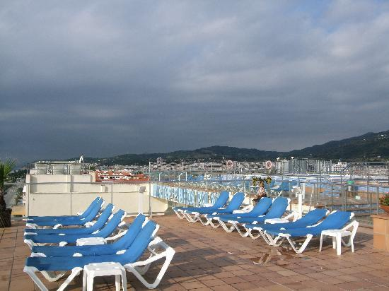 H·TOP Pineda Palace: Roof top Swimming area