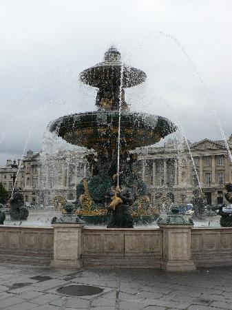 Photo Tours of Paris : Fountain