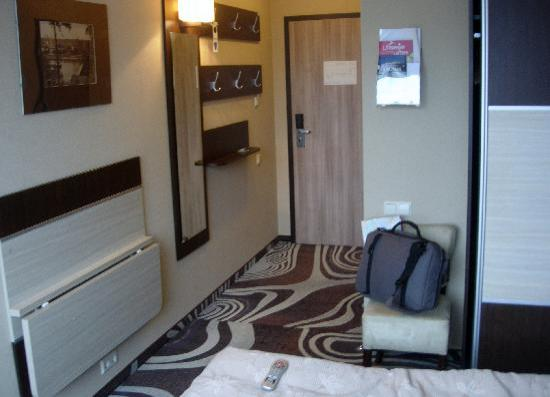Magnus Hotel: My room. Spacious!