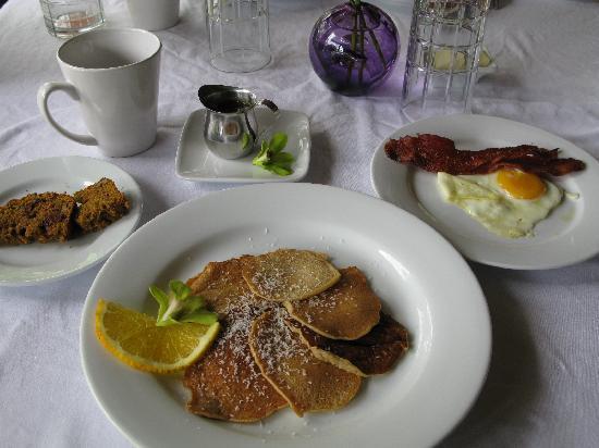 Waianuhea Bed & Breakfast: 朝食