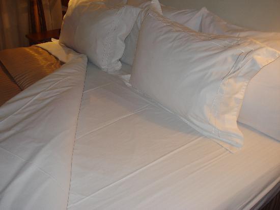 GHL Style Hotel Los Heroes: La cama - impecable