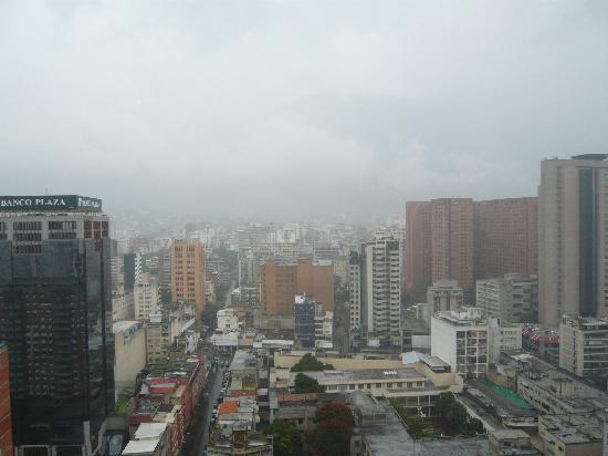 Gran Melia Caracas Hotel: La vista al Avila (un poco nublado)