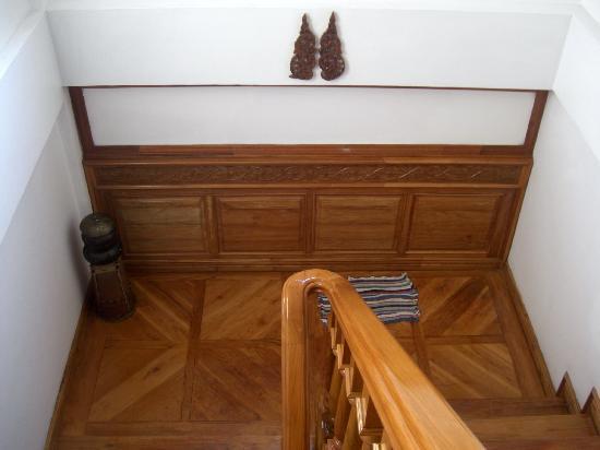 ไวยากรณ์ อินน์: stairs