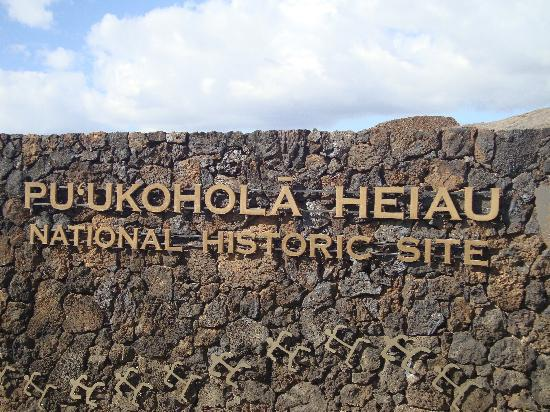 Puukohola National Historic Park: Sign at the Visitor's Center