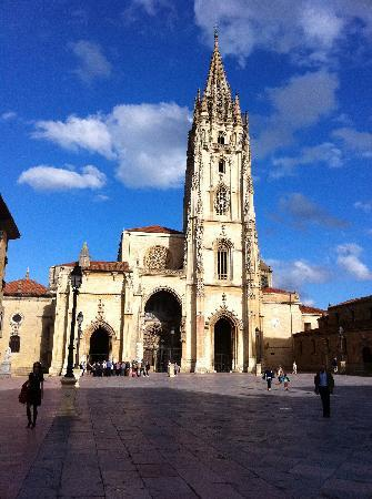 Hotel Ovetense: Catedral de San Salvador de Oviedo