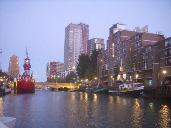 Apartment Mizar : The view of the harbor where the Mizar is located! You can see it on the right opposite the red