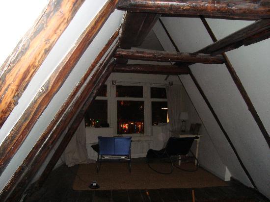 Inn old Amsterdam: living area ustairs