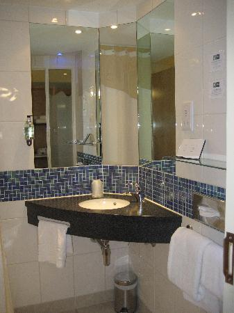 Bathroom Sinks Edinburgh bathroom. sink unit. - picture of holiday inn express edinburgh