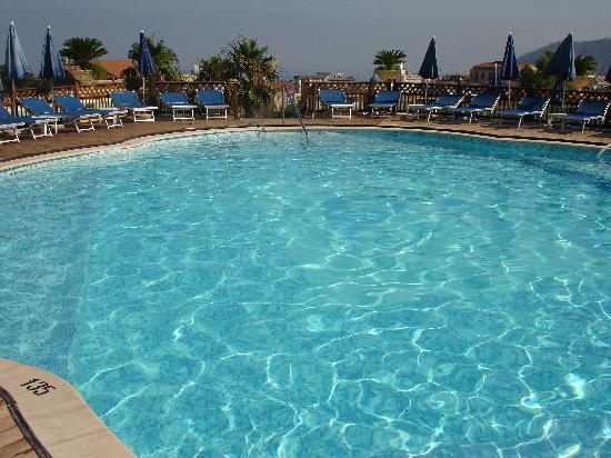 Grand Hotel la Pace : Pool