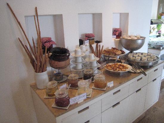 Breakfast Buffet Table 3 Picture Of Beloved Playa Mujeres Rh Tripadvisor Com