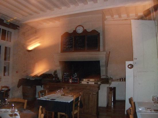 L'Auberge de l'ancienne poste: la cheminée