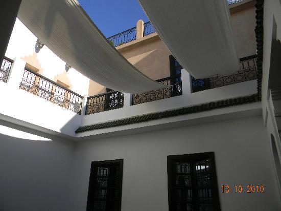 Riad Baba Ali: courtyard