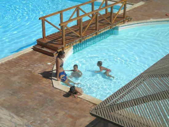 Club Reef Resort: Piscina