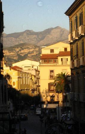 Palazzo Montefusco Sorrento: Another view from the room