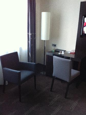 Schreibtischplatte ecke  Schreibtisch-Ecke - Picture of Hotel Europa, Munich - TripAdvisor