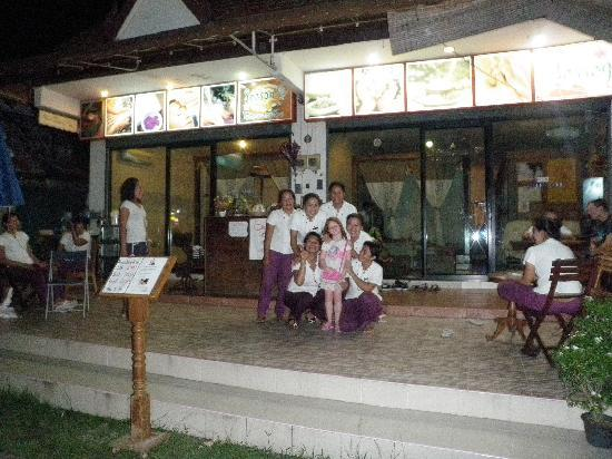 Palmyra Patong Resort: our massage place and the lovely ladies