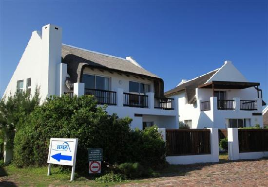 Cape St Francis Resort: Multi roomed cottages