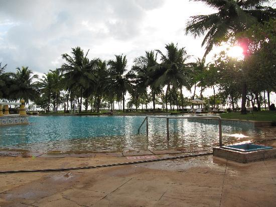Taj Exotica Goa: great pool