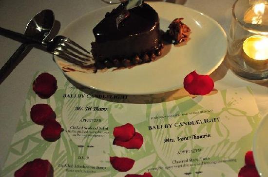 Four Seasons Resort Bali at Jimbaran Bay: Romantic Candle Light Dinner