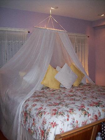 Applewood Inn: Beautiful Bedroom Decor
