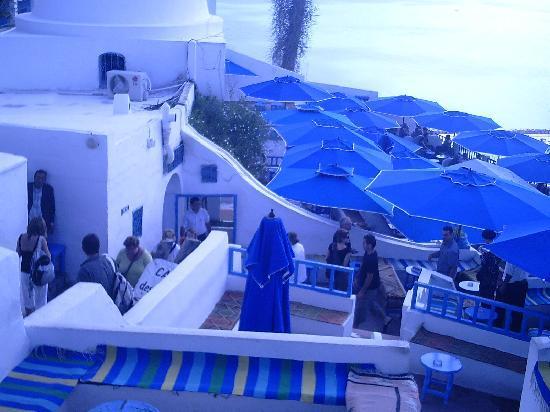 Hotel Dar El Olf: entrée du CAFE DES DELICES