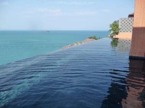 โรงแรมศรีพันวา ภูเก็ต: Infinity Villa Pool