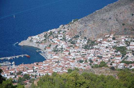 Alkionides Pension: Hydra town