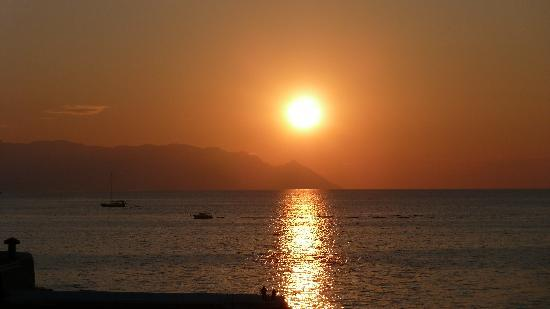 Charisma De Luxe Hotel: Sunset over the Aegean Sea