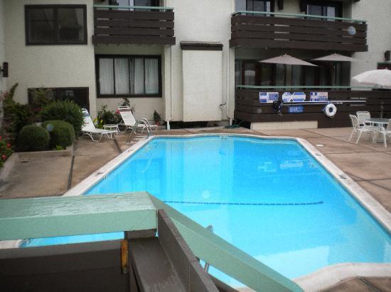 Monarch Resort: Pool