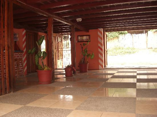 Hostal Los Juanes: La entrada