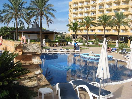Hotel Cala Millor Garden: A pool view at cala millor gardens