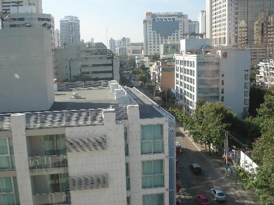Anya Hotel @ Sukhumvit 3: The view of Bangkok from the Unico economy room
