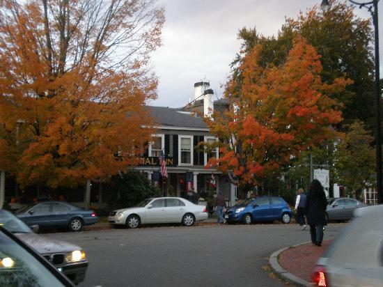 Concord's Colonial Inn: Front of the Inn