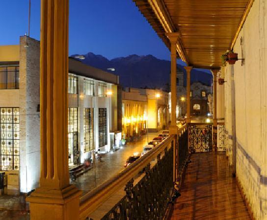 Le Foyer Hostel: The Balcony