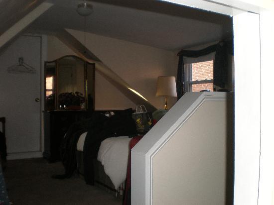 Stepping Stone Inn: Our 3rd floor room.