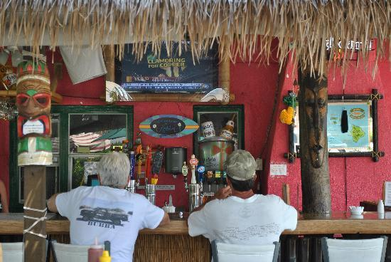 Kona Beach Cafe: Tropical Bar