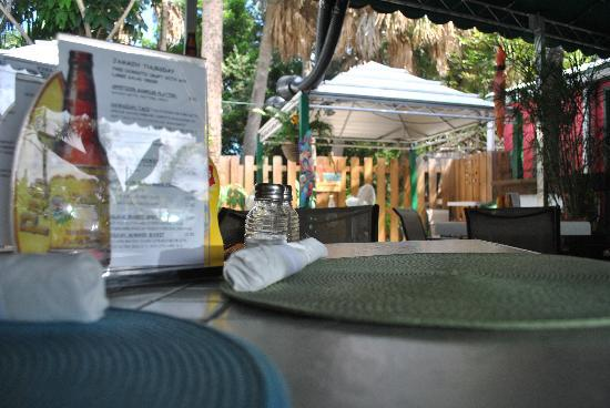 Kona Beach Cafe: Relaxing