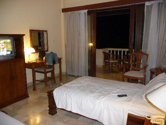 Hotel Kumala Pantai: Our twin room - top floor - great view