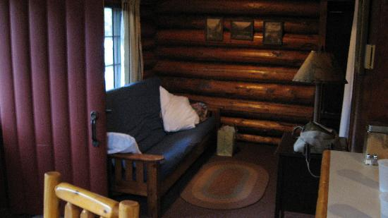 Lamb's Resort: Cabin interior