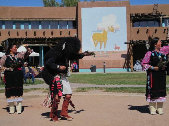 Indian Pueblo Cultural Center : Buffalo Dance