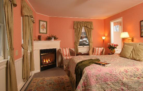 Birchwood Inn : The Post - Carriage House