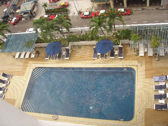 Hotel Jen Penang by Shangri-La: Pool from our room