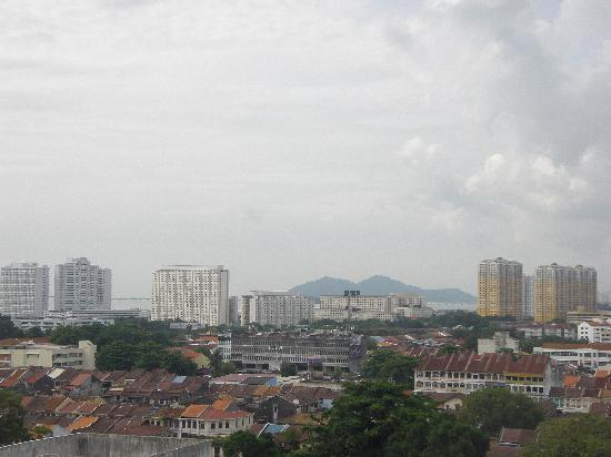 Hotel Jen Penang by Shangri-La: View of Penang from our room