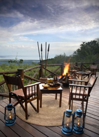 Kirurumu Manyara Lodge: Bar overlooking the Great Rift Valley and Lake Manyara