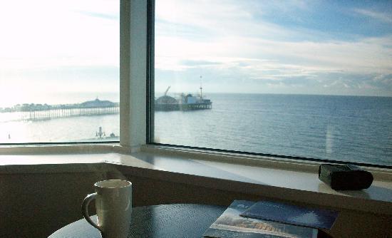 Jurys Inn Brighton Waterfront: Morning coffee
